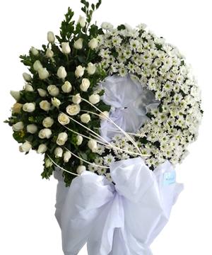vòng hoa tang lễ huyện nhà bè