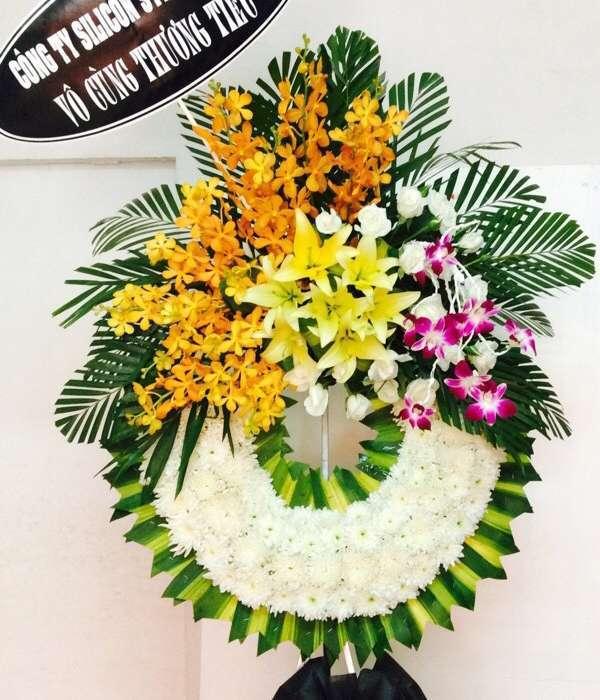 vòng hoa tang lễ quận 5