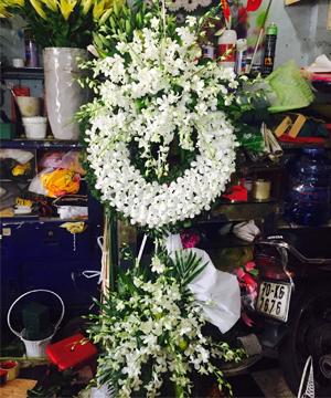 vòng hoa tang lễ quận 6