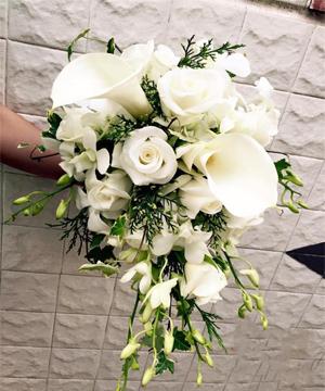 hoa cầm tay cô dâu 20