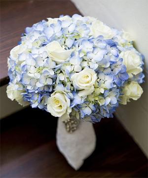 hoa cầm tay cô dâu 23