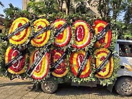 vòng hoa giả đám tang