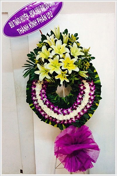 vòng hoa tang lễ sài gòn