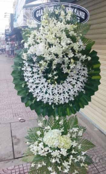vòng hoa tang lễ huyện hóc môn