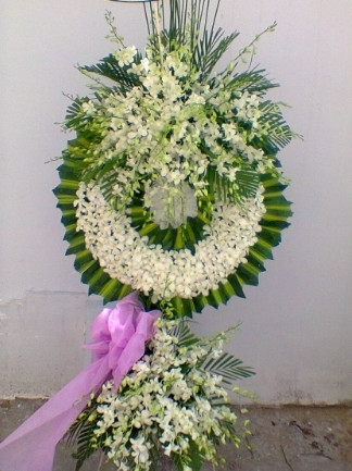 giao vòng hoa tang lễ quận 7