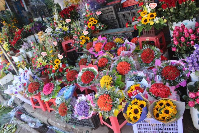shop hoa tươi đường tôn thất thuyết quận 4