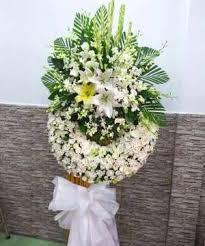 vòng hoa tang lễ nhà bè